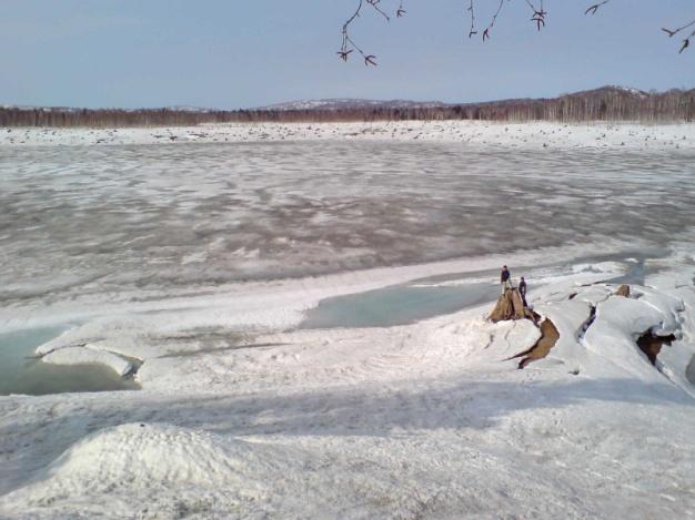 春、融雪間近の朱鞠内湖